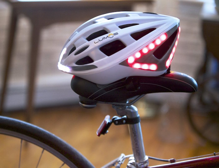 Lumos-A-Next-Generation-Bicycle-Helmet-02