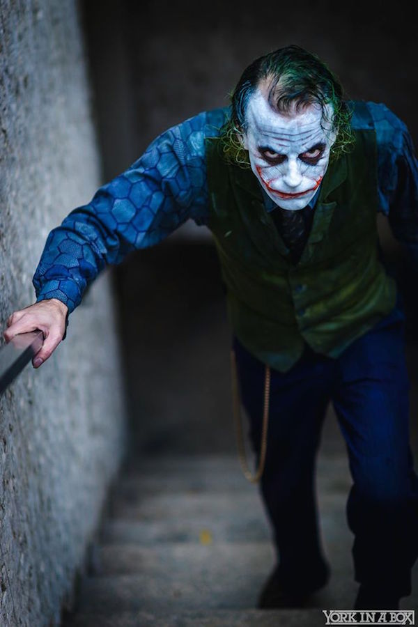 This is Very Disturbing Heath Ledger Joker Cosplay (1)