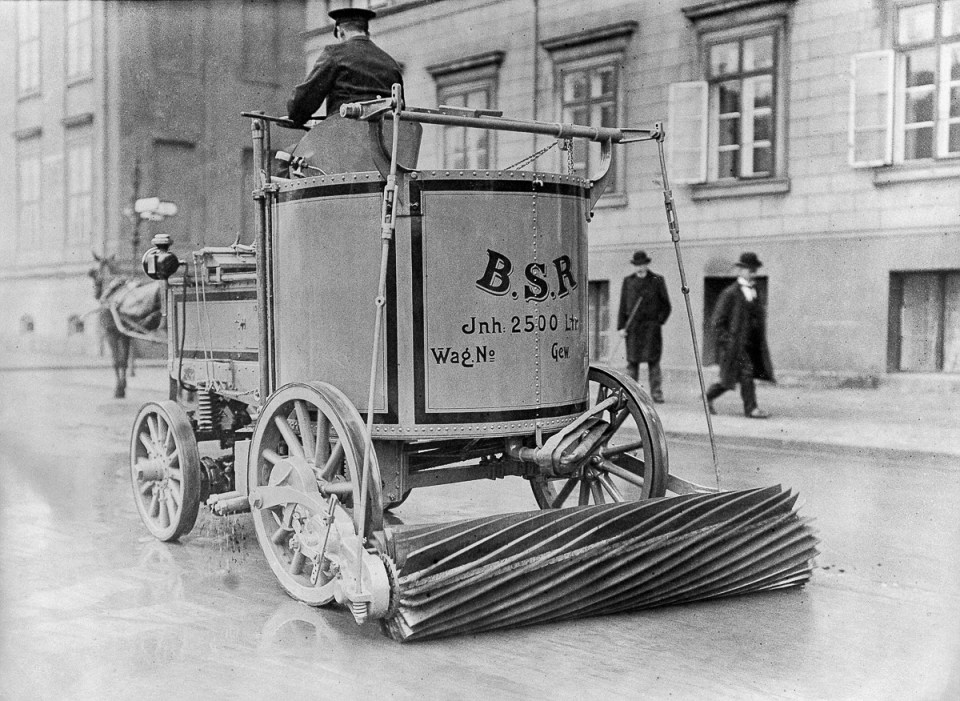 First Electric Cars