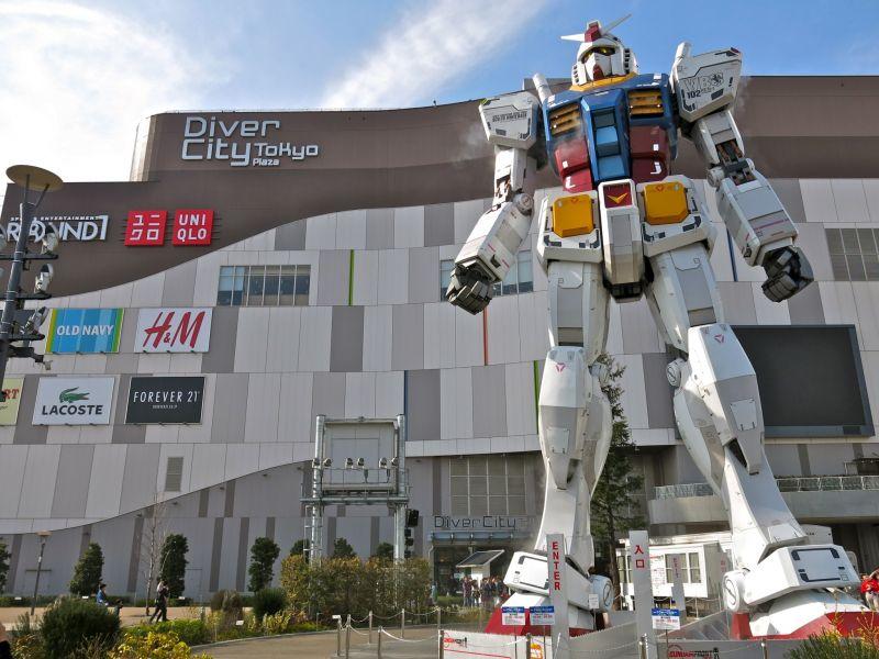 RX-78-2 Statue in Odaiba, Tokyo