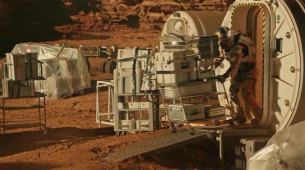 Heres-How-Duct-Tape-Saved-Matt-Damons-Life-On-Mars-7-610x341