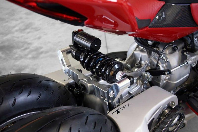 motorcycle-powered-by-maserati-engine-lazareth-lm-847-11
