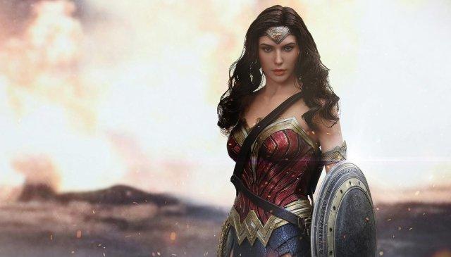 Wonder Woman Hot Toys Action Figure Unveiled