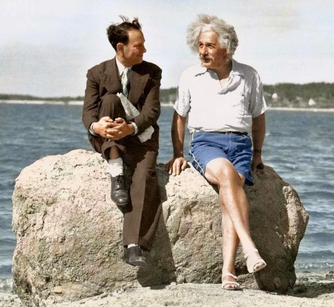 829655-Einstein-at-Beach-1939-650-09e654d1da-1470726257