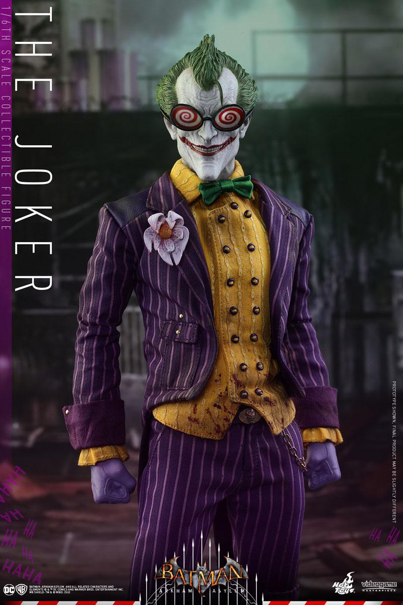 Hot Toys Joker Action Figure