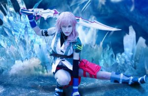 FINAL FANTASY XIII Lightning Cosplay