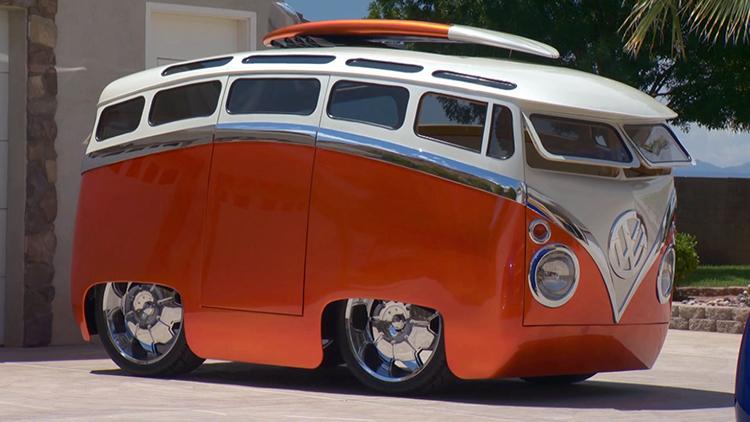 'Surf Seeker' Volkswagen Microbus