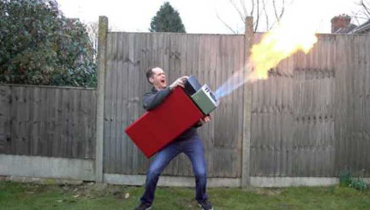 Fully Functional Giant Lighter