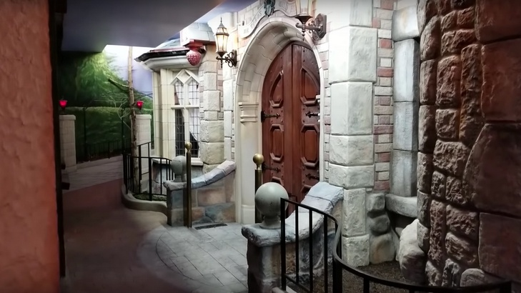 hardcore-disneyland-fan-builds-an-insanely-impressive-fantasyland-themed-basement-social