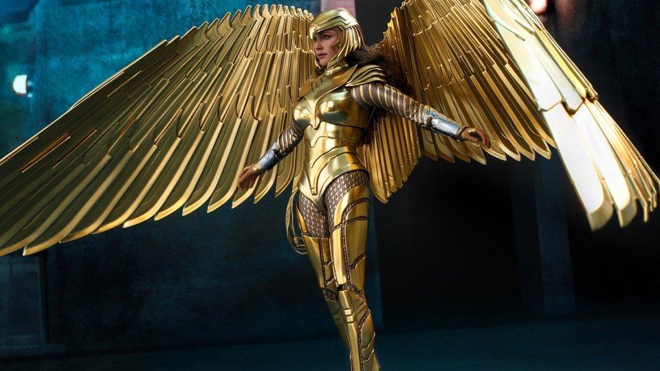 WONDER WOMAN 1984 Golden Armor Action Figure