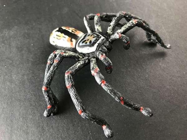 Huntsman spider replica