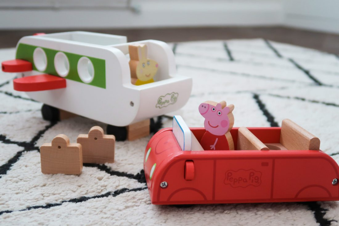 Toy Peppa/'s Wood Play Boat And Figure