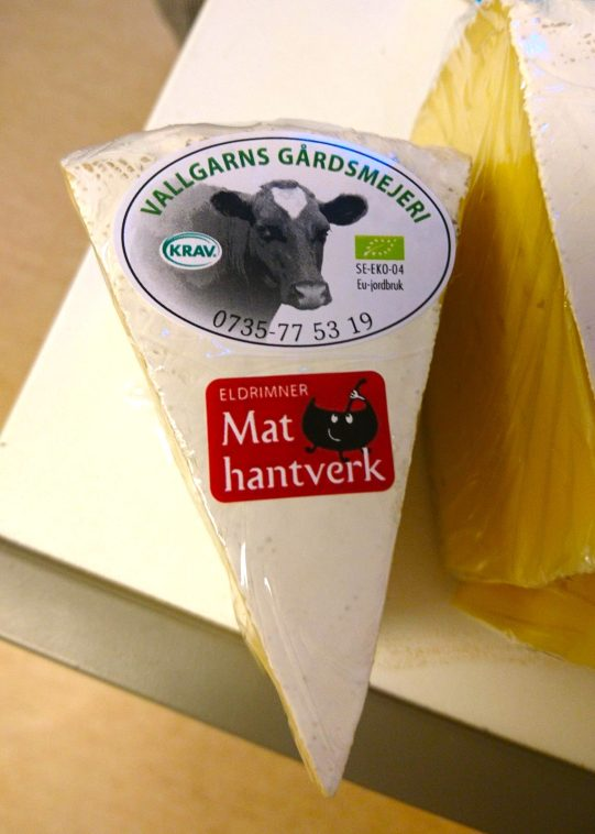 KRAV-labeled cheeses from Vallgarn's farm dairy