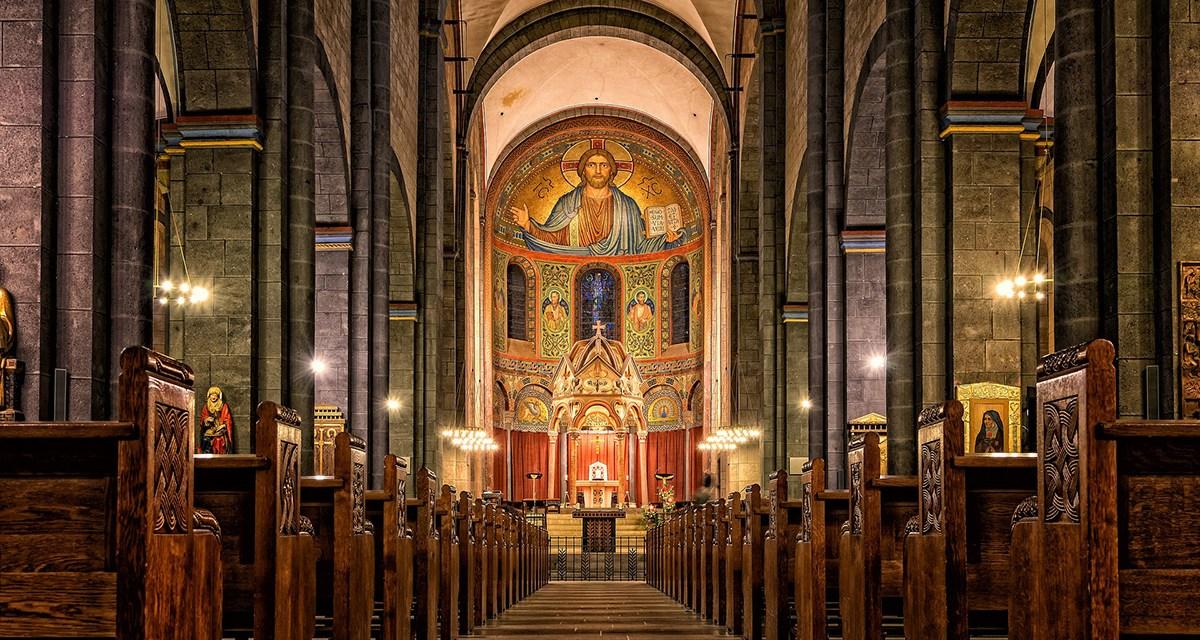 La Iglesia no es un museo de antigüedades