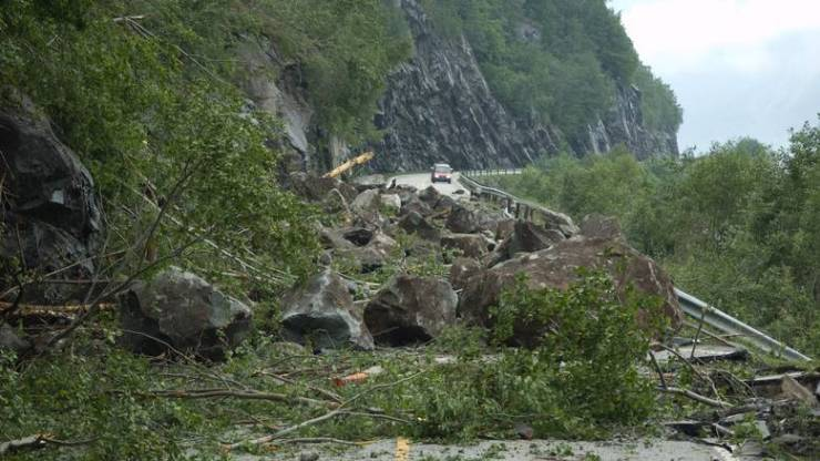 After the landslide went between Eidfjord and Brimnes.