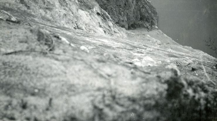 View down the slide scar in 1934. Photo State Geologist Arne Bugge, NGS.