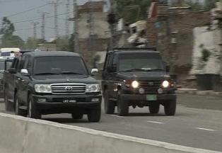Shahbaz Sharif Visits Bhatta Chowk Lahore Construction (22-5-2011)