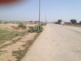 Fatima Jinnah Town Multan Block F - 60 feet road Dunyapur