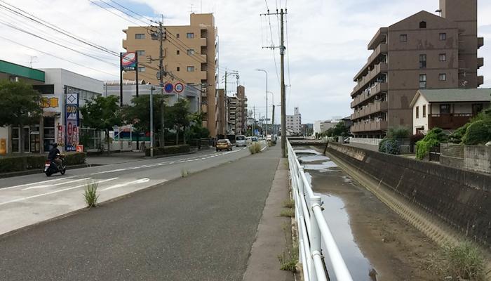 まで 駅 ここ 姪浜 から ここから2つ目の駅ですって英語でなんて言うの?