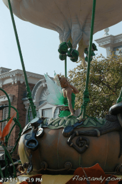 Hong Kong Disneyland Flights of Fantasy Parade Tinkerbell