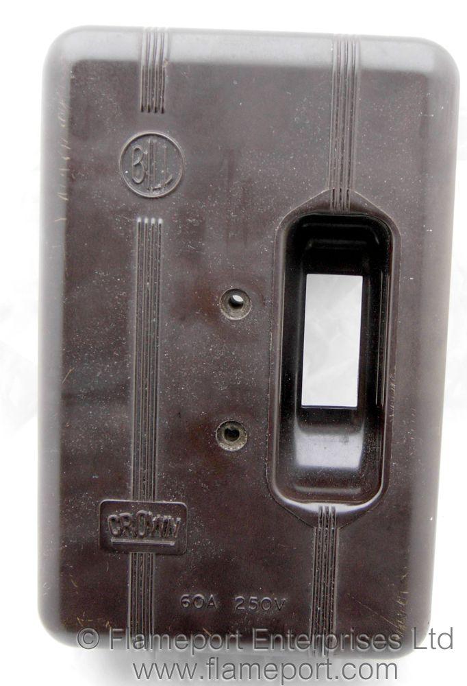 Bill Crown 4 Way Brown Plastic Fuse Box