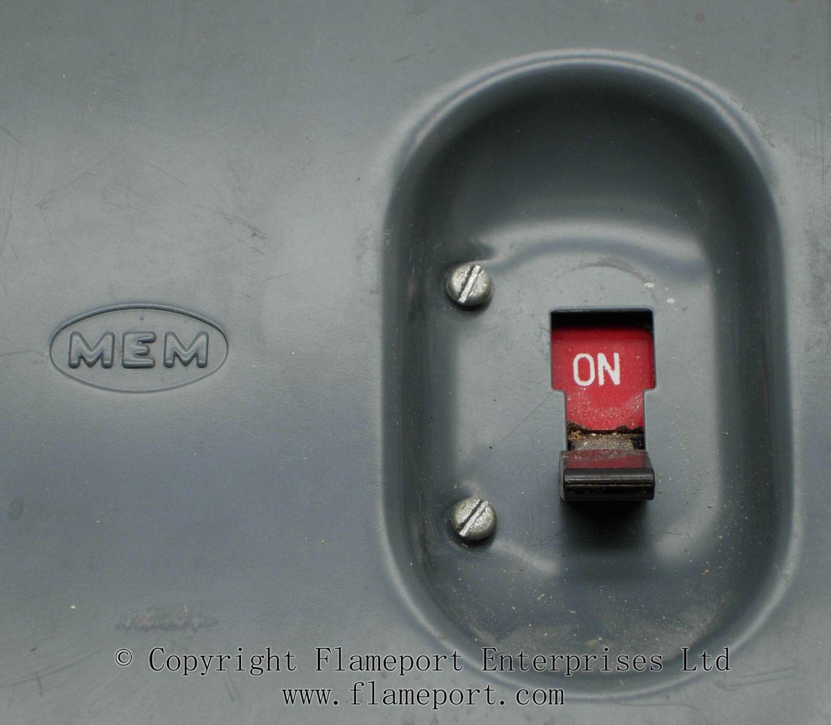 Mem 4 Way Enclosed Grey Metal Fuse Box