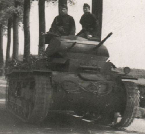Another example of a Panzer II with camouflage