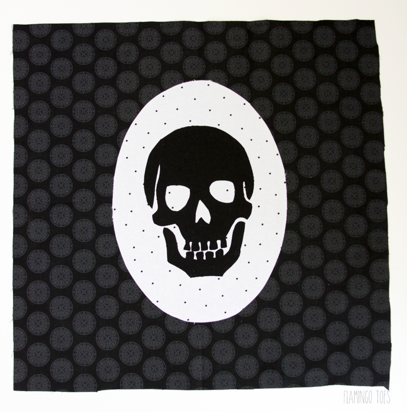Iron skull to pillow front