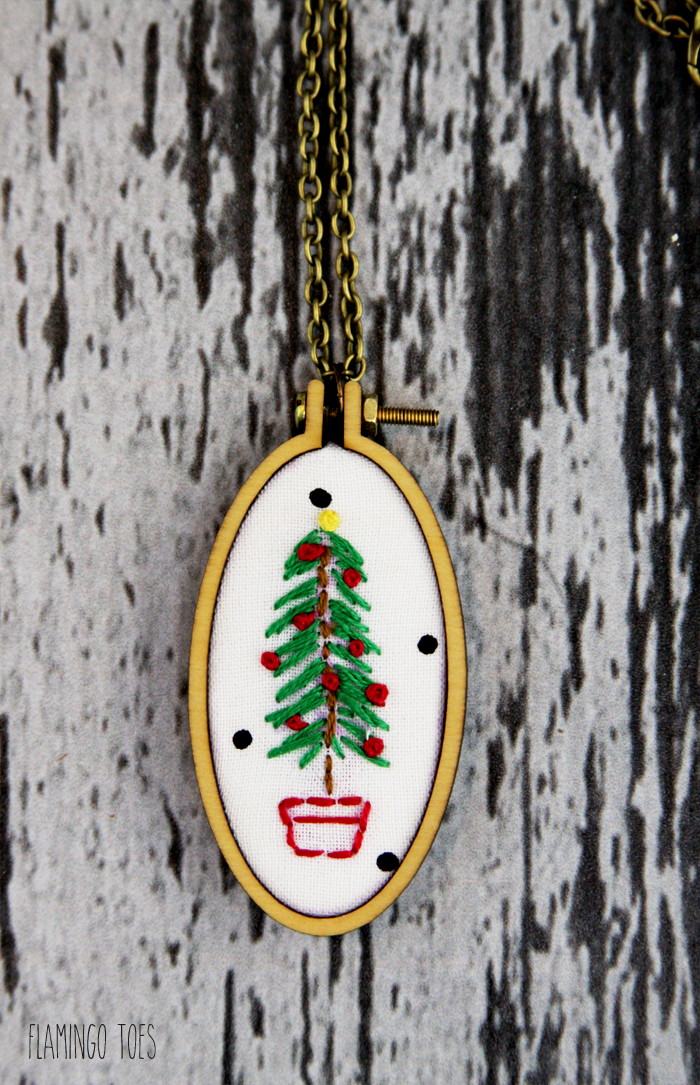 Mini Hoop Christmas Necklace