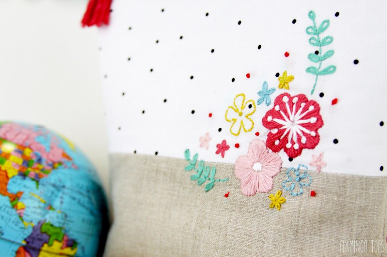 Embroidery on linen zipper pouch