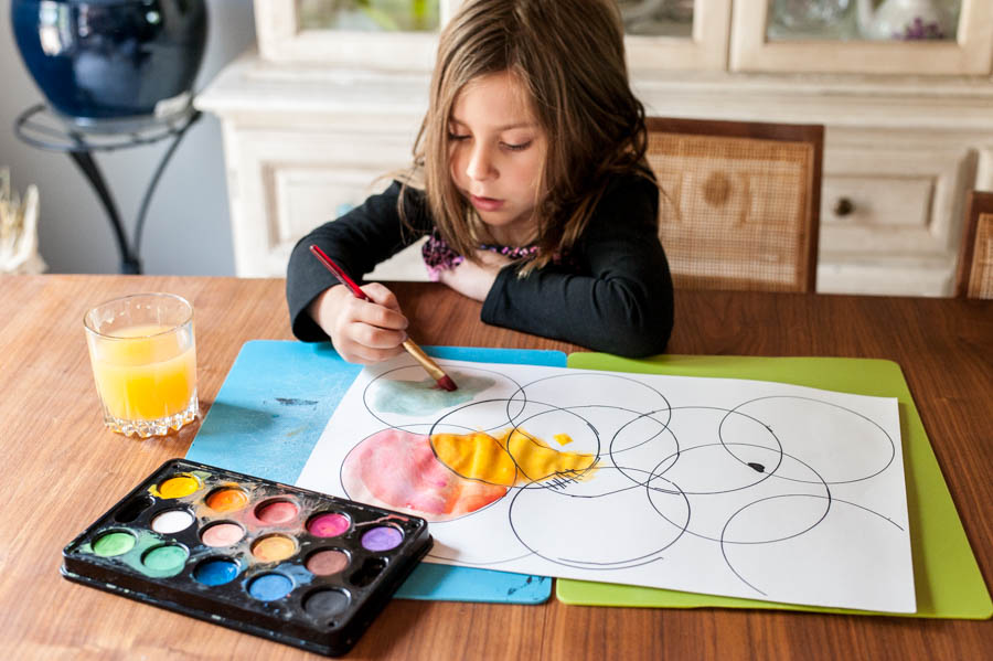 Easy art and drawing games to try with kids.