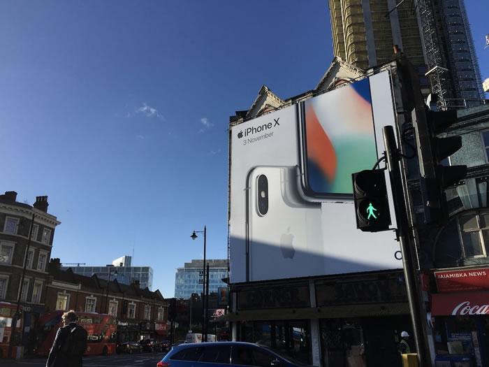 iPhone-X-Billboard-London