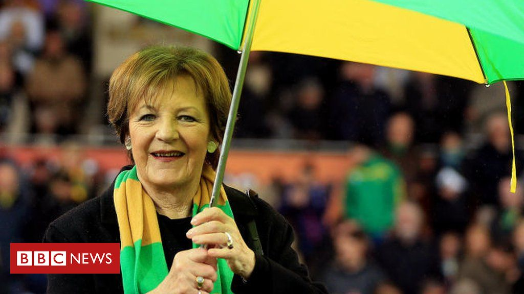Covid-19: Delia Smith urges PM to reopen football grounds