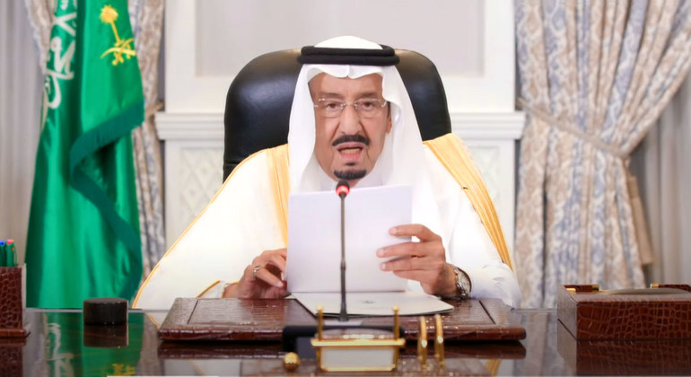 King of Saudi Arabia sayspeace is top priority for his country