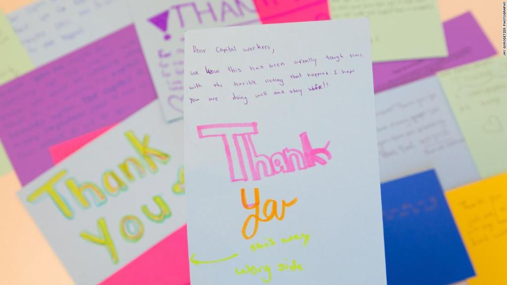 Middle schoolers send thank you notes to Capitol workers