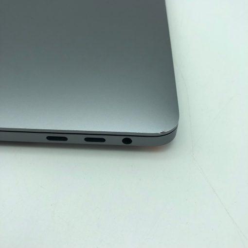"""IMG 1984 scaled Apple MacBook Pro 13.3"""" Retina TouchBar Grigio Siderale intel® Quad-Core i5 2.3GHz Mid 2018 (Ricondizionato)"""