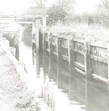 black and white photo of a wooden lock on the River Stour c 1919