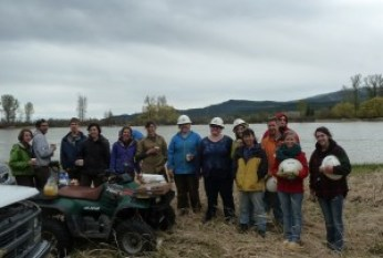 2014 5-3 Foys Bend Vol tree planting (18)rd