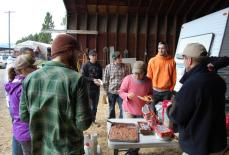 2015-4-11 willow planting with volunteers (6)