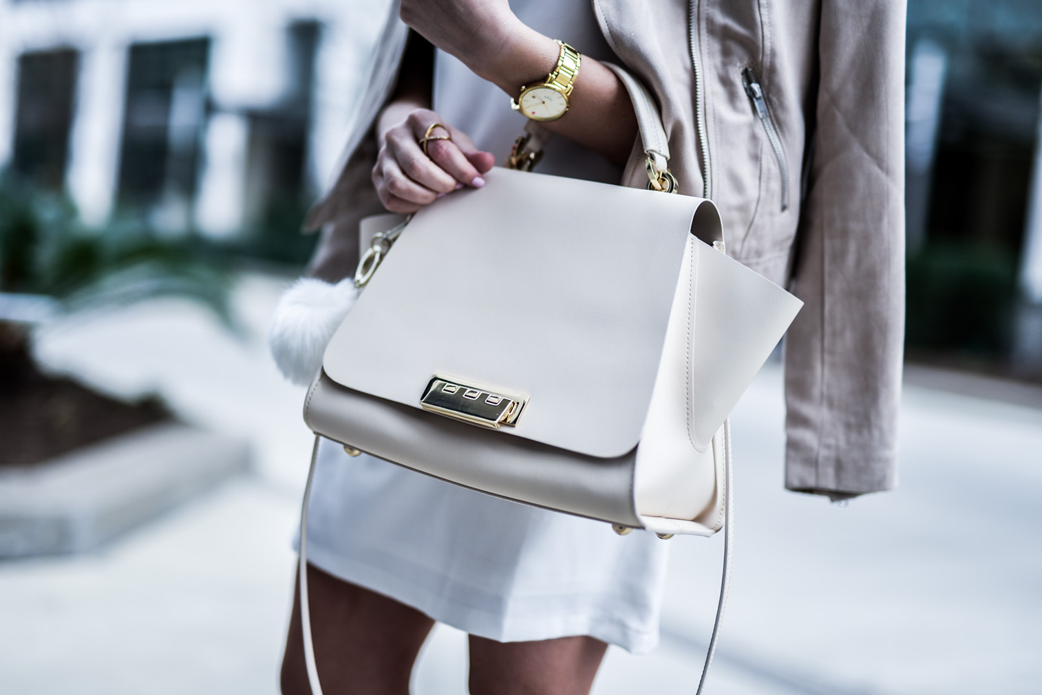 Timeless closet staples |Tiffany Jais Houston fashion and lifestyle blogger wearing a white shift dress from asos and steve madden slithur heels with a zac zac posen bag, click to read more