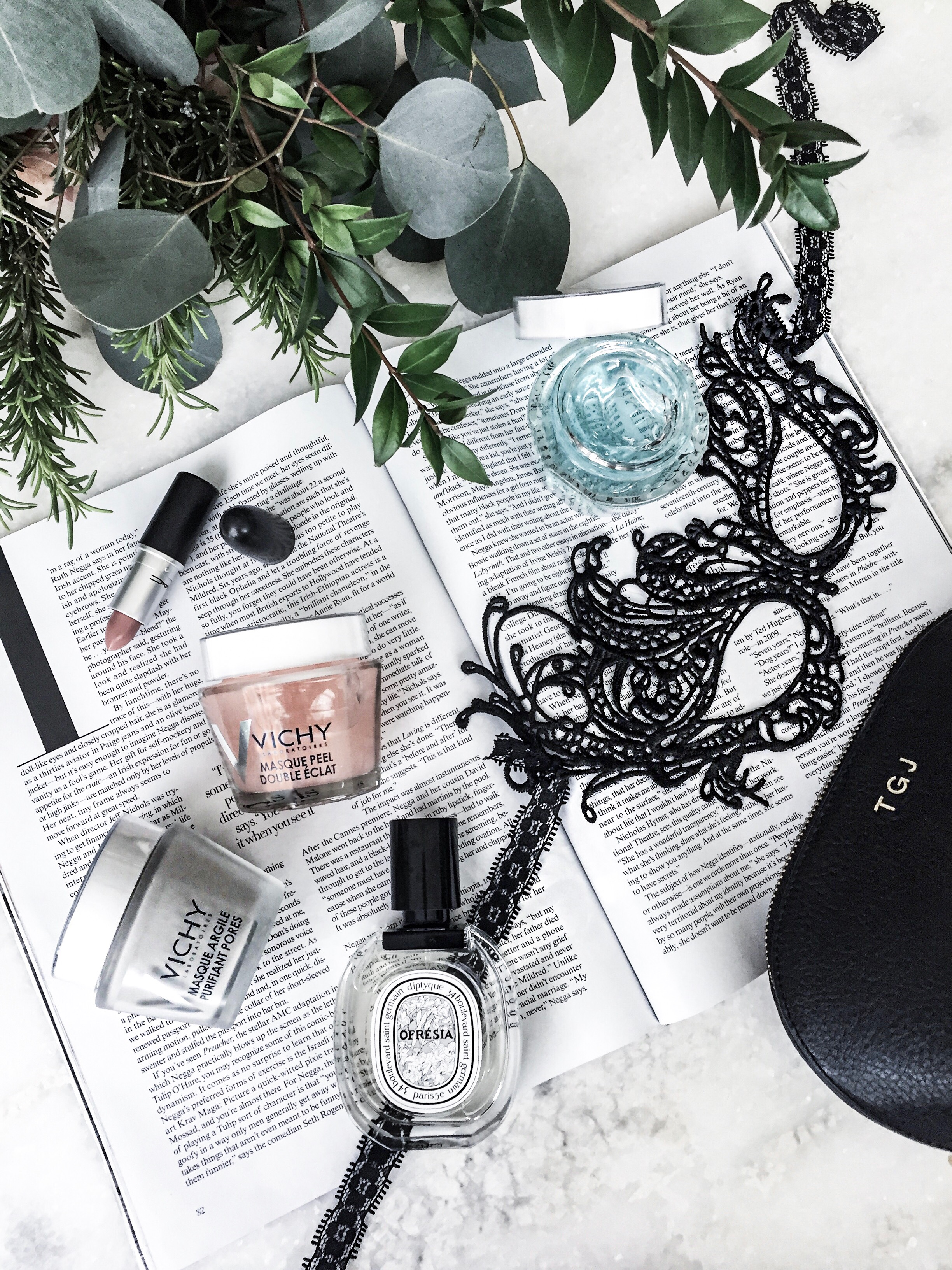 Vichy mask set | Beauty blogger, Flatlay photo, fashion