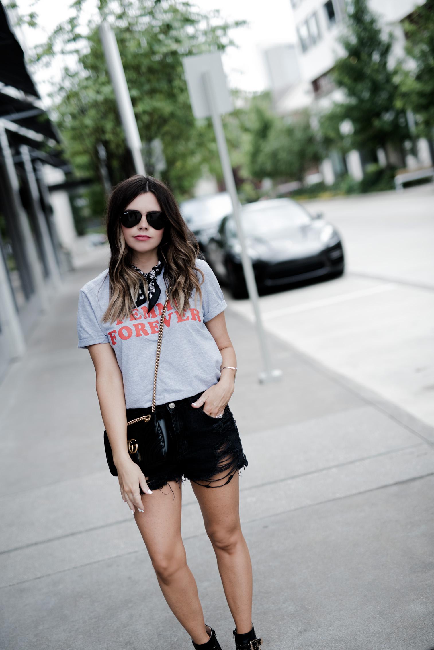 Tiffany Jais Houston fashion and lifestyle blogger   street style, Graphic tee's, necktie scarf outfits,