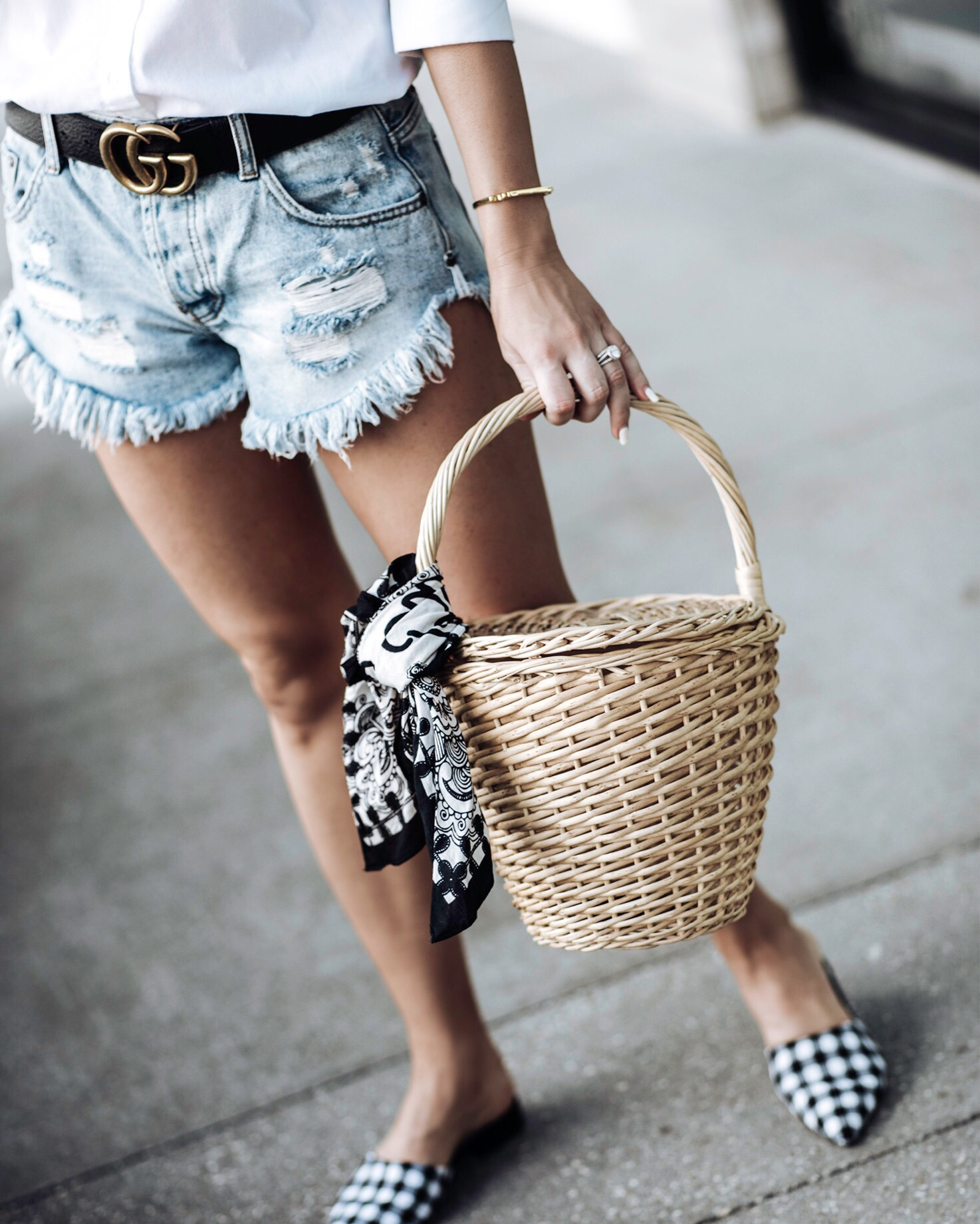 Tiffany Jais Houston fashion and lifestyle blogger | straw basket bag | gingham shoes, gucci belt