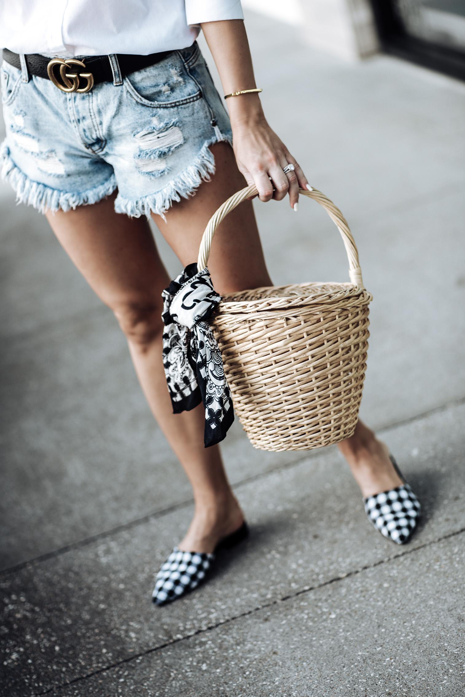 Tiffany Jais Houston fashion blogger   Gucci double g belt   White button down top   One Teaspoon shorts   Straw basket handbag   Streetstyle outfit ideas 2017 Gingham flats
