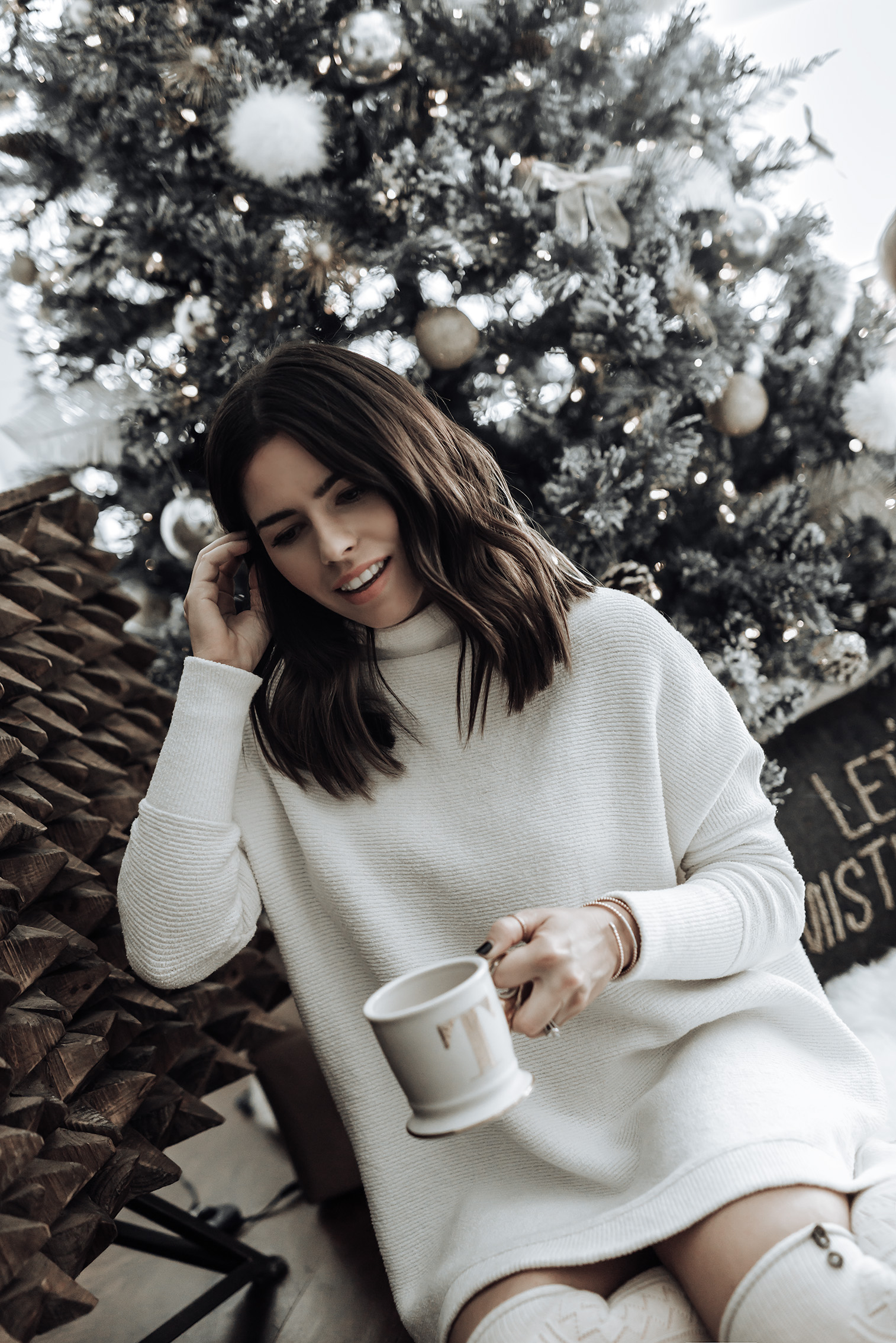 Tiffany Jais fashion and lifestyle blogger of Flaunt and Center | Houston fashion blogger | Simon G. | Streetstyle blog #ootd #jewelry #holidaystyle