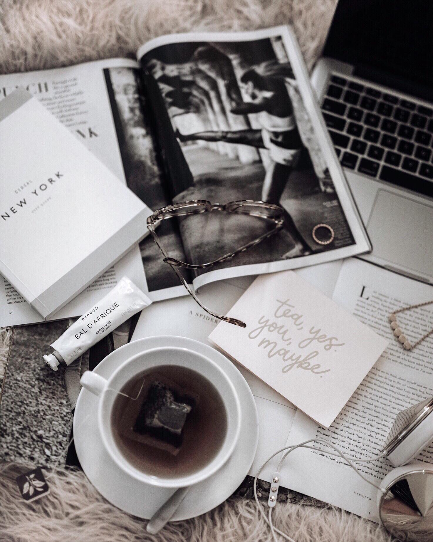 Tiffany Jais fashion and lifestyle blogger of Flaunt and Center | Houston fashion blogger | Friday Feels | Streetstyle blog | #flatlay #blog