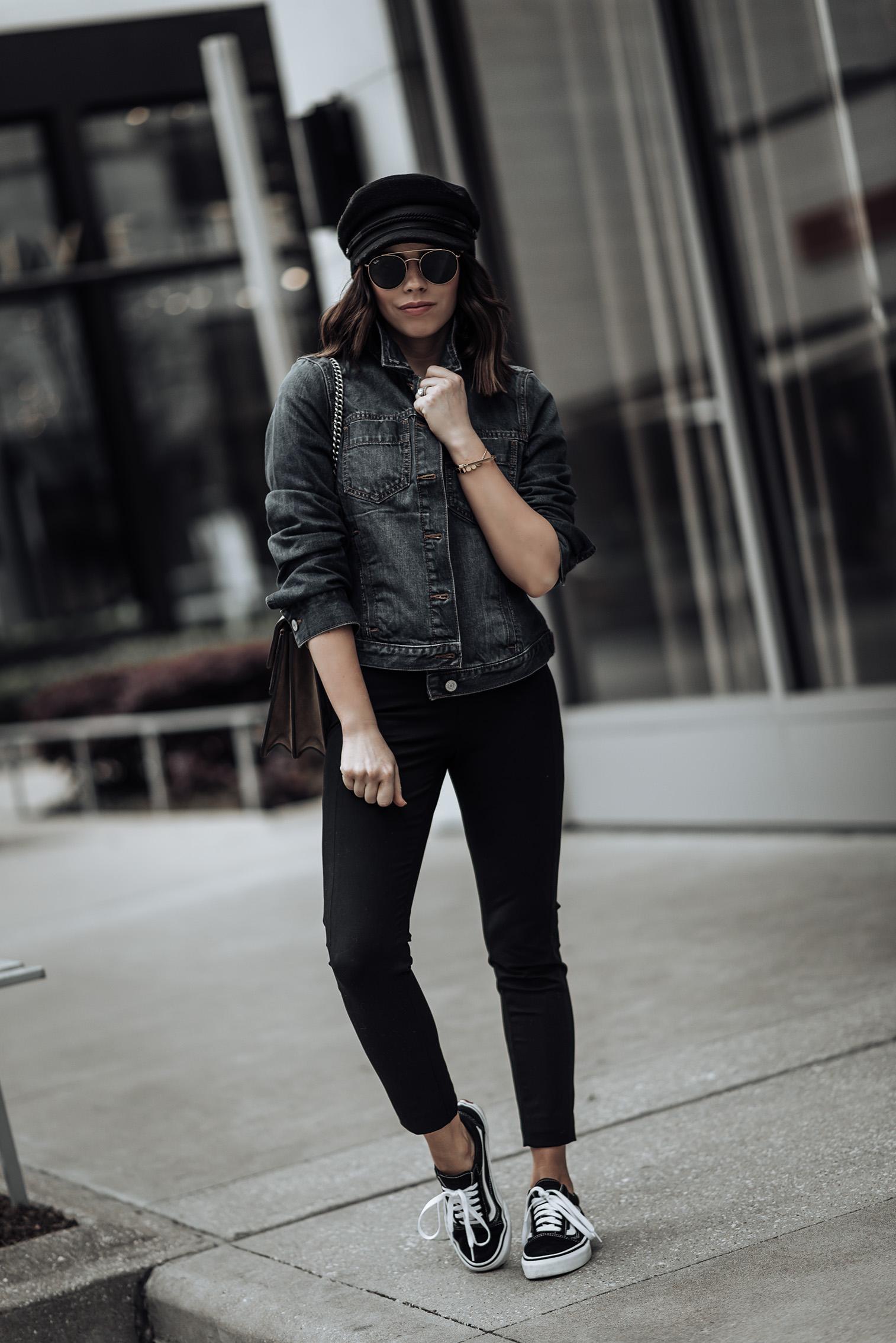 Banana Republic closet essentials | First look: Classic Denim Jacket |Devon High Rise Legging| Second look: Trench Coat |Devon High Rise Legging| Black Point Toe Tie Heels |