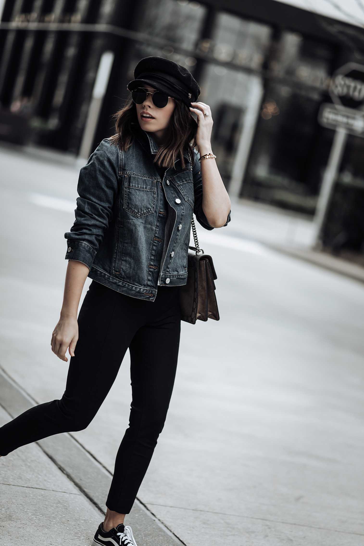 Banana Republic closet essentials | First look: Classic Denim Jacket |Devon High Rise Legging | Second look: Trench Coat |Devon High Rise Legging | Black Point Toe Tie Heels |