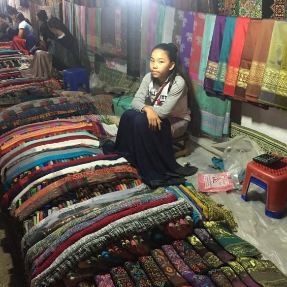 Luang_Prabang_Laos_mercado_Noturno_23