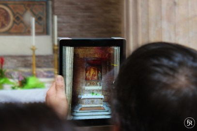 Focus? How tourists see the Pantheon through their iPad